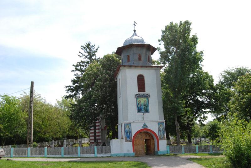 Biserica_Sfanta_Treime_2